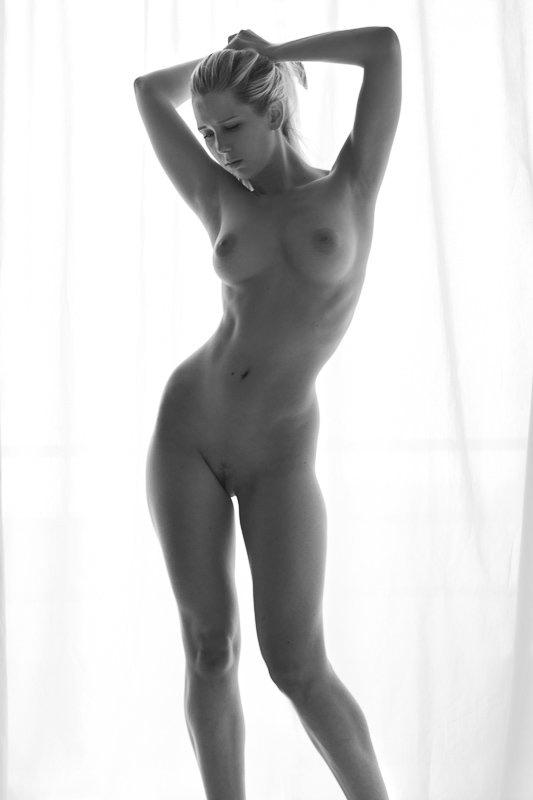 Paris workshop nuartistique et lingerie avec Amedea Marie Paris Fine Art Nude